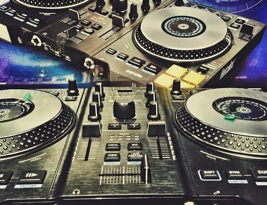 REVIEW: Hercules DJControl JogVision